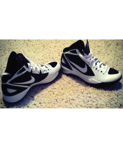picture of basketball shoes